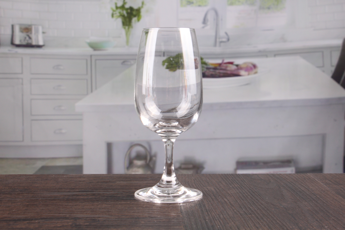 Red wine goblets