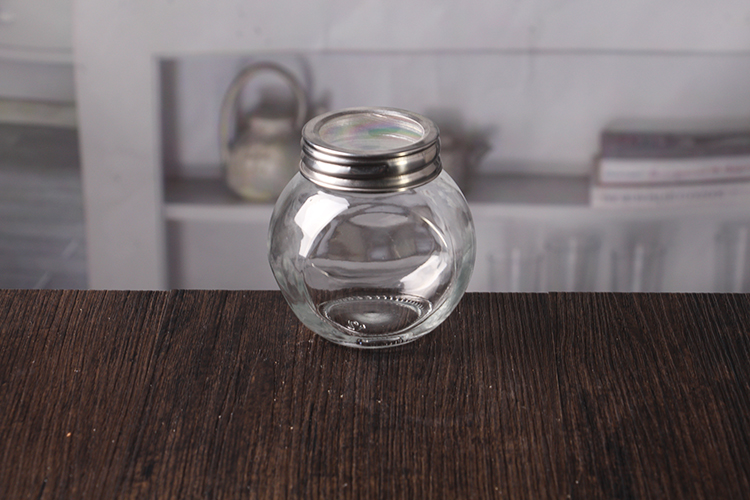 jam jars with metal lids