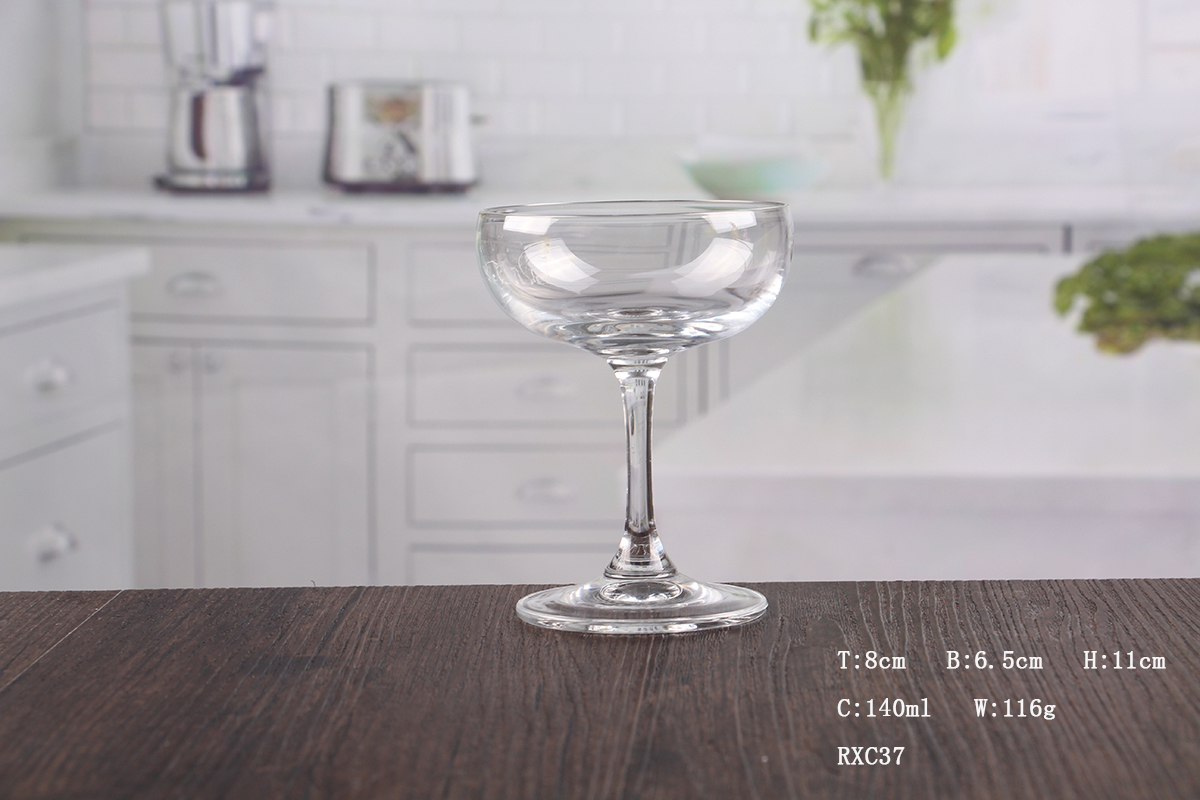 Inexpensive crystal champagne saucer
