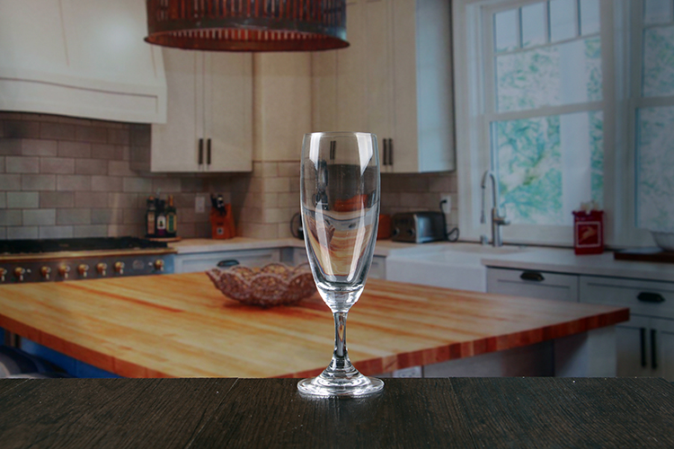 Short stem champagne glass