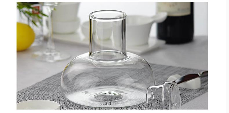 glass water decanter