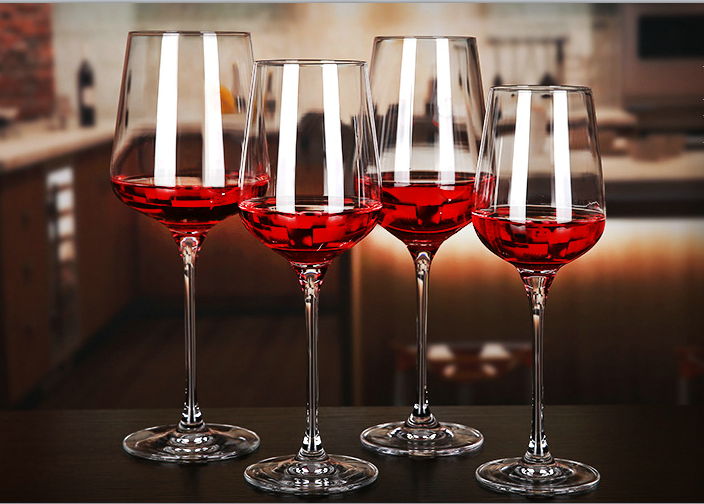 Fabulous glassware for your dining table adjustments today