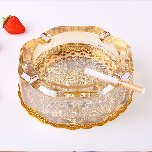 round crystal glass ashtray