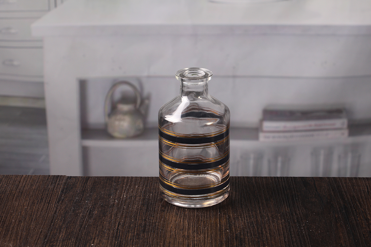 Essential oil diffuser bottle