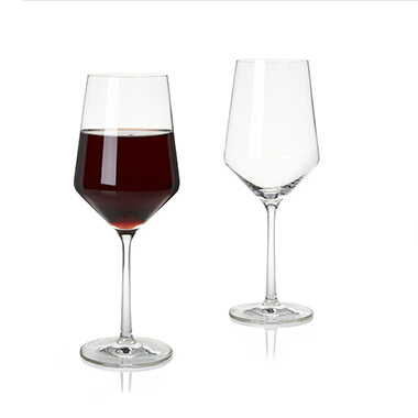 What's the appearance difference between a bordeaux glass and a Burgundy wine glass?