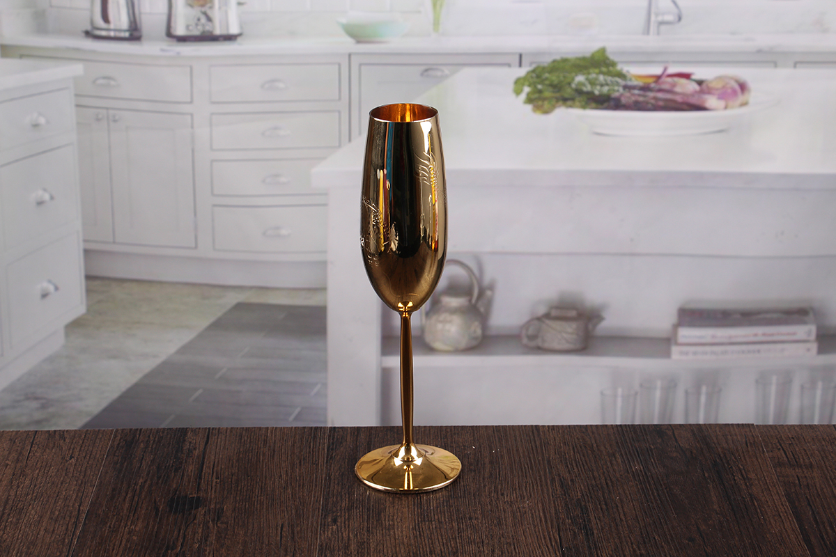 decorate champagne glass