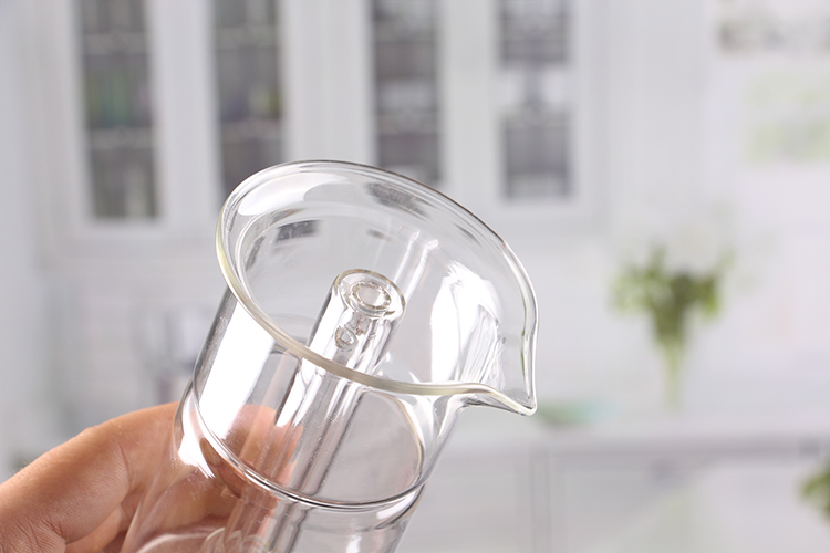 Laboratory Glass Measuring Cup
