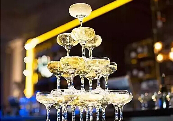 champagne saucer glass uses