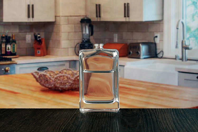 Glass perfume bottle with stopper