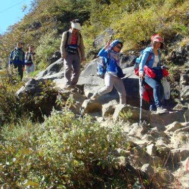 Go Mountain Climbing-How to Celebrate the Double Ninth Festival