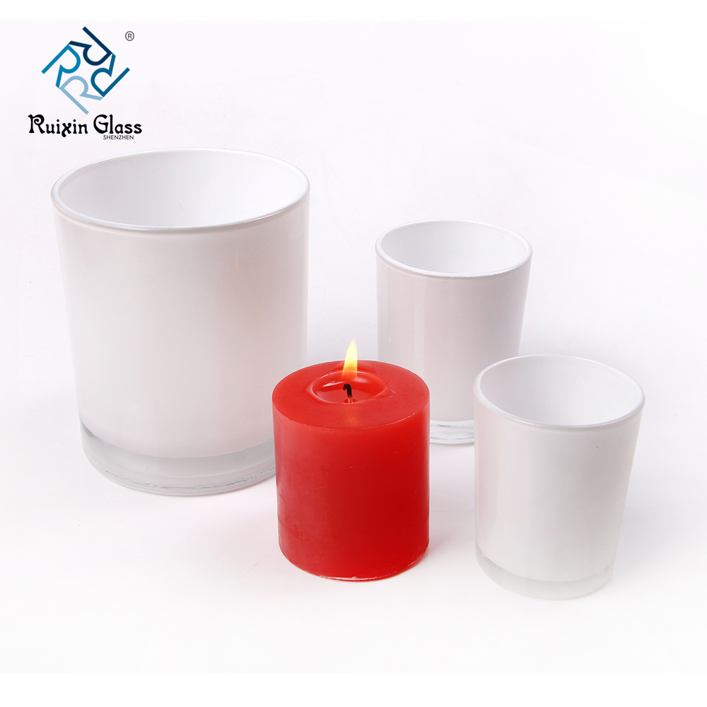 Chinese factory wholesale white metal candle holders