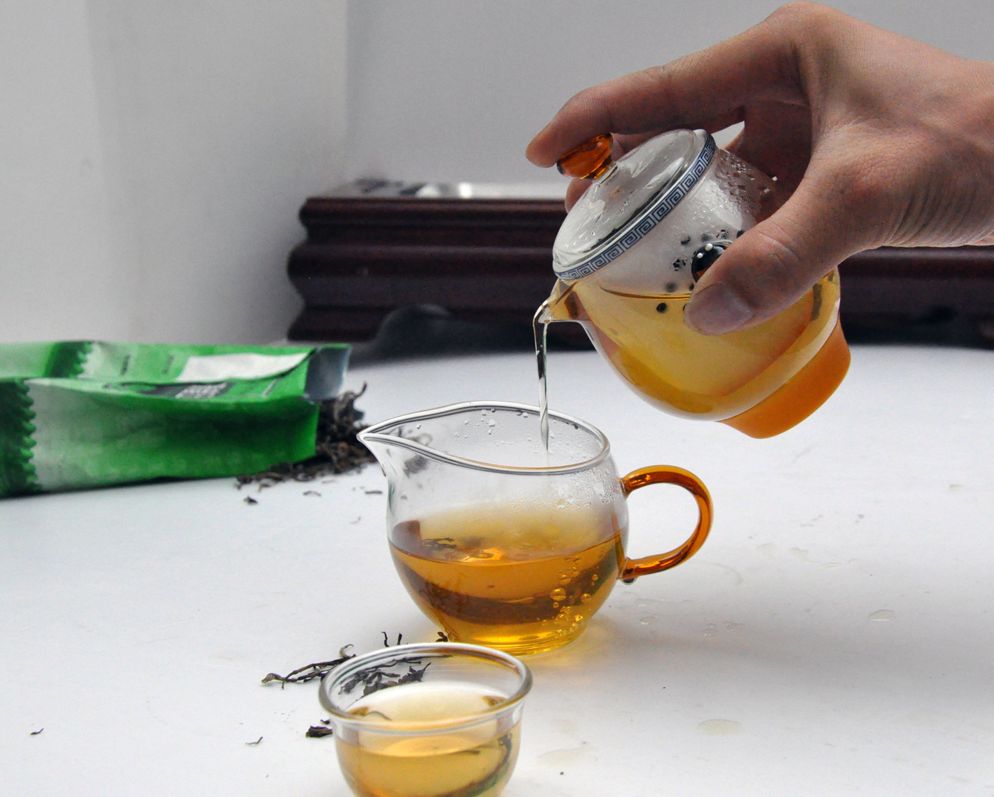 2016 china latest design clear heat resistant tea pot glass tea cup clear glass cup supplier