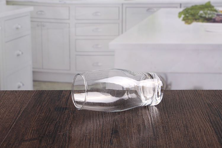 Clear beer mugs