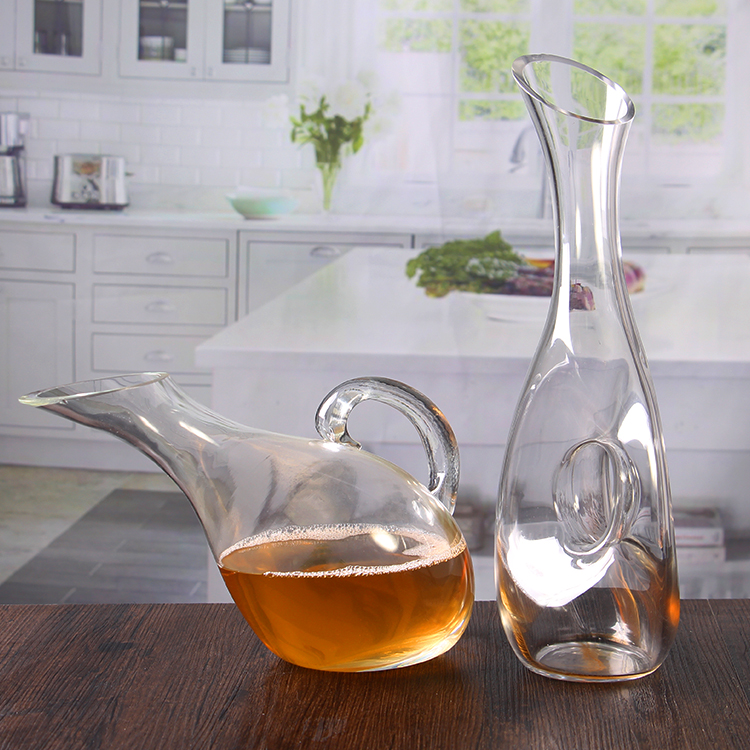 red wine decanter with handle