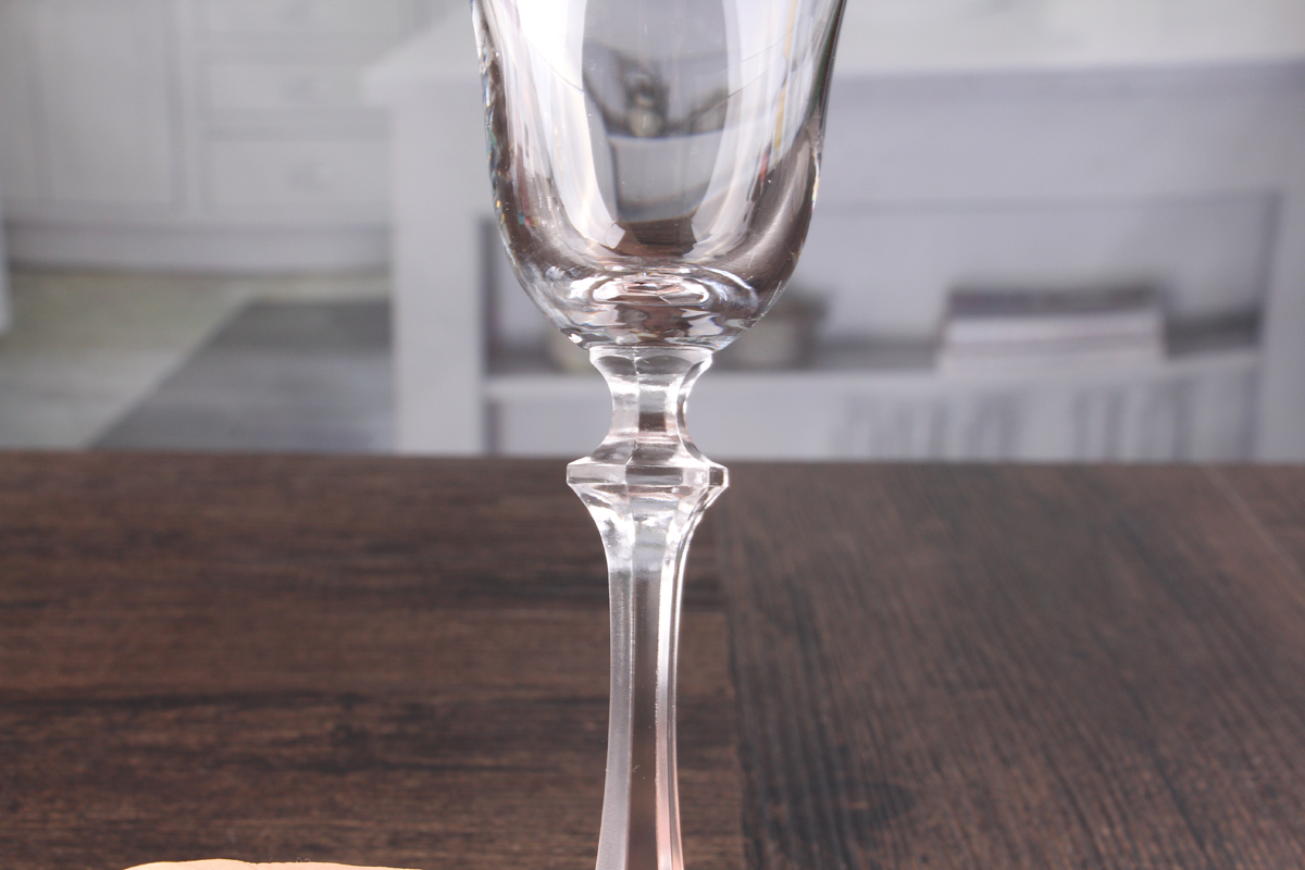 Unique champagne glasses