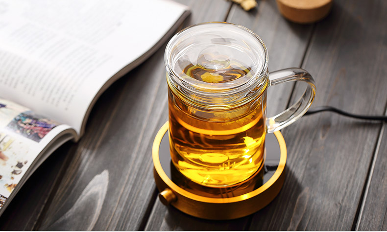 clear glass tea cups