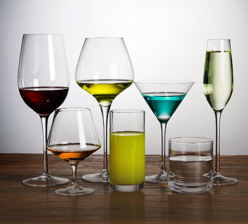 How do wine glasses wholesale manufacturers transport red wine glasses?