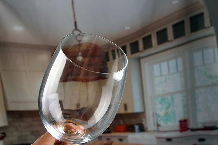 Short stem large wine glass