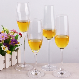 China 210ml champagne coupe glasses manufacturer