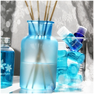 Custom glass perfume diffuser bottle factories and wholesaler in shenzhen