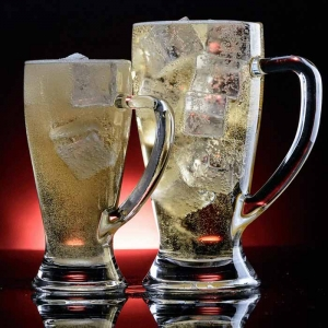 High capacity glass beer mug with handle supplier