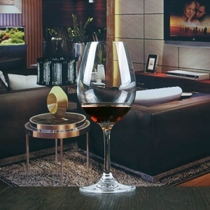 Wholesale home goods 9 oz crystal stemware glass for wine