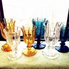 China Retro champagne glasses colored glass champagne flutes manufacturer factory