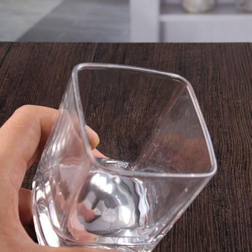 Bicchieri di cristallo quadrato di vetro di whisky di 10 - Ingrosso bevande piano tavola ...