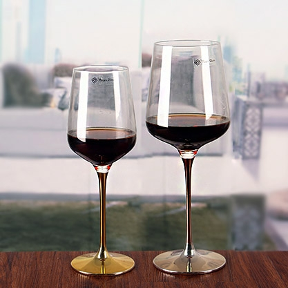 Metal stem red wine cup gold stem wine glasses large for Large red wine glass
